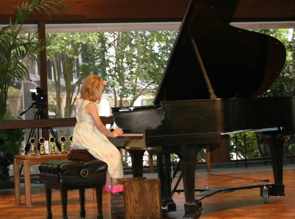 Küçük Çocuklar Neden Müzik ve Piyano Çalgı Dersi Almalıdır?
