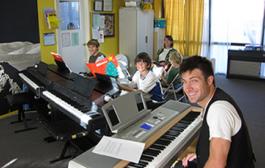 Klasik Batı Müziği Piyano Çalma Etütleri Nelerdir
