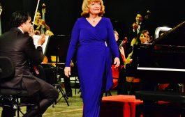 Piyanist İDİL BİRET Kimdir? Meşhur Türk Piyanistleri