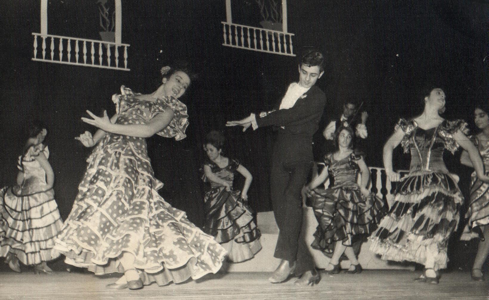 Türkiye Tiyatrosu Ve Darülbedayi Osmanlı Kurulan İlk Tiyatronun İsmi Darülbedayi İstanbulda Belediye Konservatuvarı Bale Bölümü