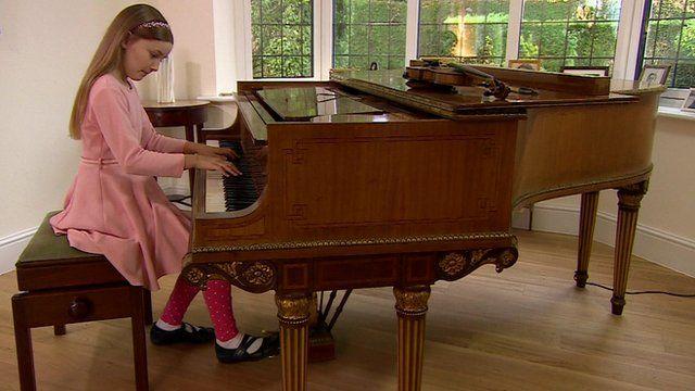Küçük Çocuk Piyano Dersi Eğitimi Nasıl Olmalıdır. Dikkat Edilecek Hususlar Nedir Başlangıcı Esasları Ve Hedefi. Öğretme Yöntem Ve Teknikleri. Çalgı çalan çocuklar özel Ders Kurs Okul
