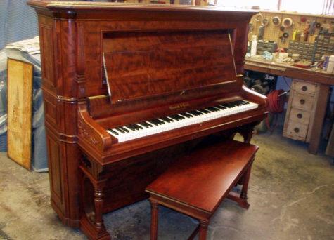 Stand (Duvar – Konsol) Piyano Nedir, Özellikleri